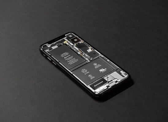 شارژ باتری تلفنهای همراه اپل